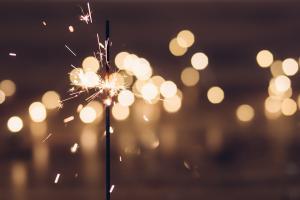 origineel idee leuke activiteit Nieuwjaarsborrel Op eigen lokatie