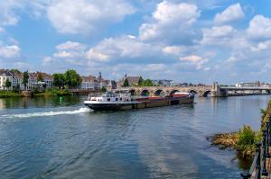 uitje Maastricht  provincie Limburg - Stein Meerssen Beek Elsloo Geleen Echt